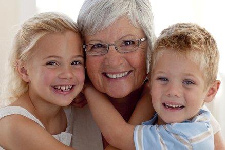 8 zakázaných vět. Tohle by babičky nikdy říkat neměly!