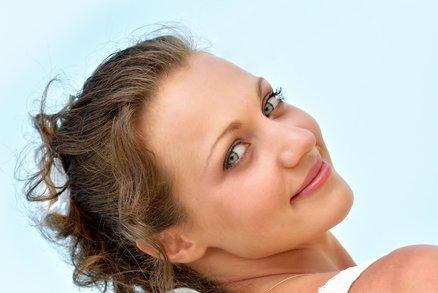 Zbavte se druhé brady! Zkuste zelený čaj a mléčnou masáž