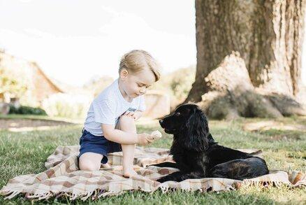Britský princ George slaví třetí narozeniny! Co dostal?