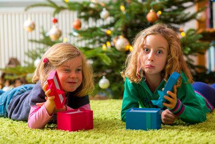 Vzkaz pro babičky: Jaké vánoční dárky nekupovat a jak zjistit ty pravé