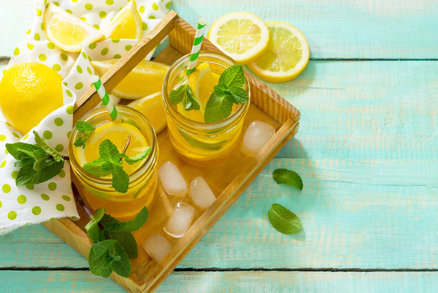 Voda s citronem jako spalovač tuků: Vážně to funguje?