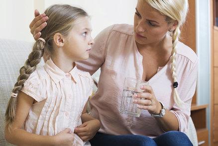 Stěžuje si dítě, že ho pořád bolí bříško? Co všechno to může znamenat?