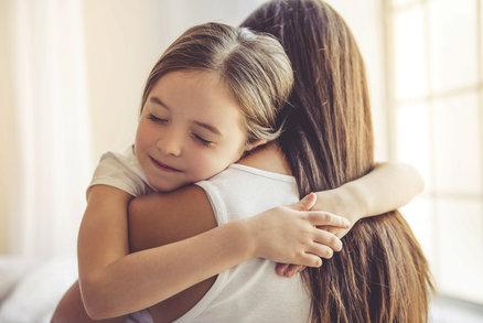 Mazlete se s dětmi! Je to zásadní pro jejich imunitu i pozdější vývoj