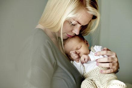 Nejhorší dárky pro novopečenou matku. Proč jsou jí k ničemu?
