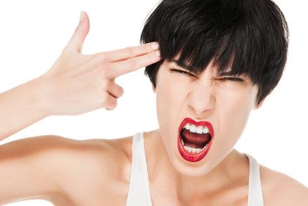 Záchvaty vzteku a žravost před menstruací? Někdy pomohou jen antidepresiva