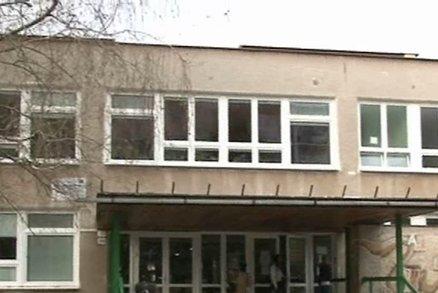 Bitka ve škole: Matka a babička zmlátily ředitelku školy!