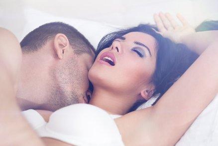 5 zvyků žen, které dosahují orgasmu při každém sexu