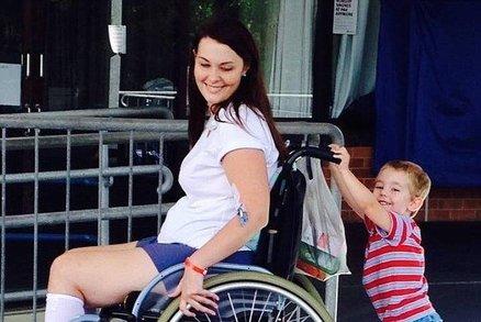 Mladá maminka si půjčila od kamarádky make-up a skončila na vozíku