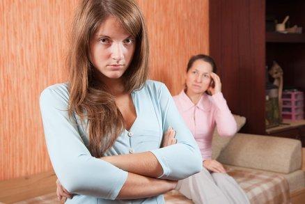 Čtenářka Anežka: Tchyně mi ze života udělala peklo! Lezla i do skříní!