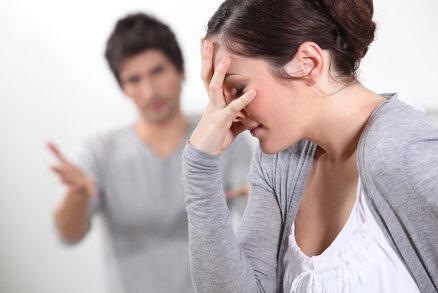 Čtenářka Zdena: Manžel začal chorobně žárlit, kontroloval mi i spodní prádlo