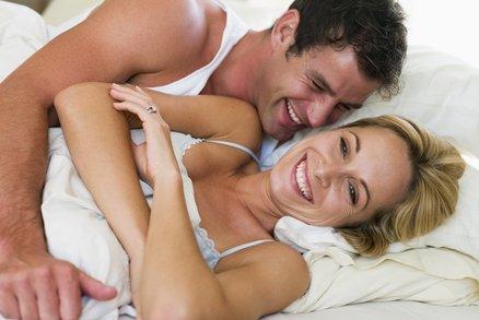 Co vás čeká po svatbě? 9 fází manželského sexu