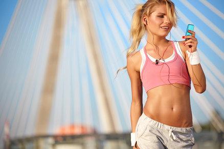 Sportovní podprsenka: Proč je důležitá a jak vybrat tu správnou?