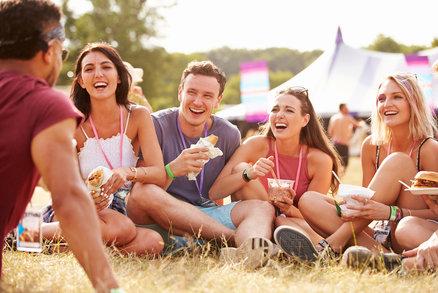Nezkažte si dovolenou: Lékaři radí, jak se v létě vyhnout průjmům