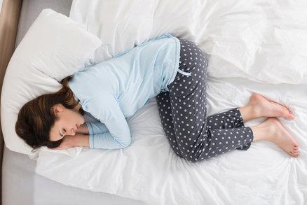 9 rad, jak nejlépe usnout: Co pomáhá lépe než počítání oveček?