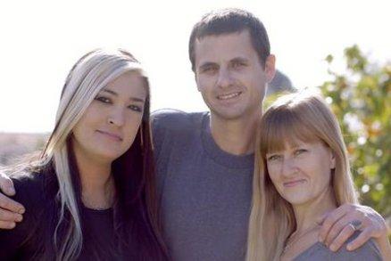 Muž žije se dvěma ženami a čtyřmi dětmi! Jsem hrdý na rodinu, říká!