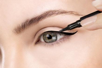 Test očních linek: Jsou lepší fixy, klasické tužky nebo ty se štětečkem?