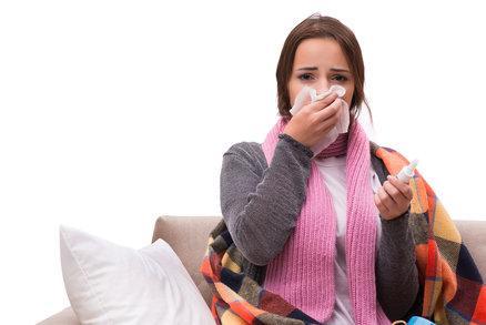 Jak poznáte, že máte rakovinu? Varovné příznaky, které byste neměli přehlížet!