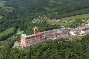 Hrad Mírov: Věznice se zvýšenou ostrahou