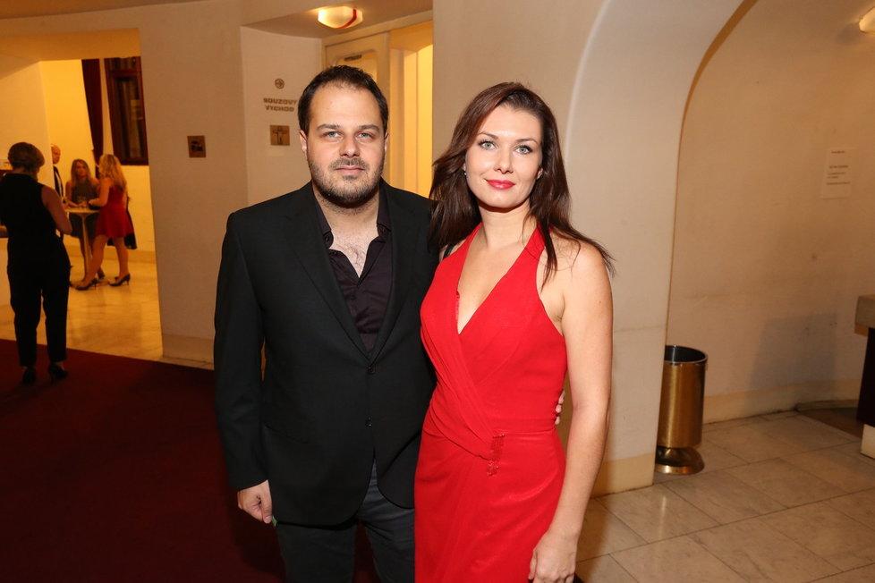 Ondřej Ládek alias Xindl X s manželkou.