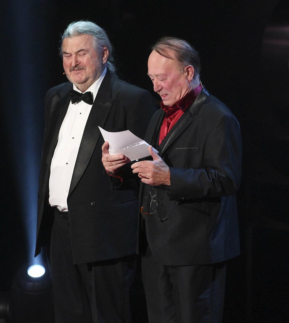 Ringo Čech a Petr Janda předávali cenu zlaté kapele Kabát