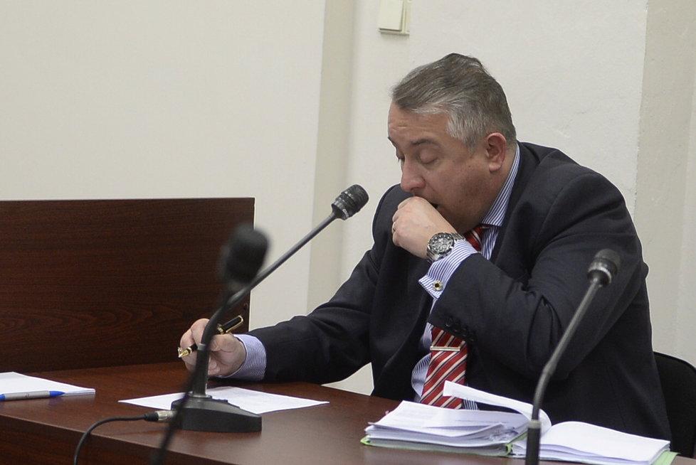 Soud kvůli Zemanovu Peroutkovi: Advokát Nespala zívá