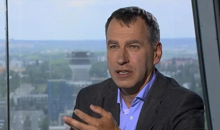 Kvůli tisícům pro horníky z OKD se v ČT střetli ministr Mládek (ČSSD) a europoslanec Niedermayer (TOP 09)