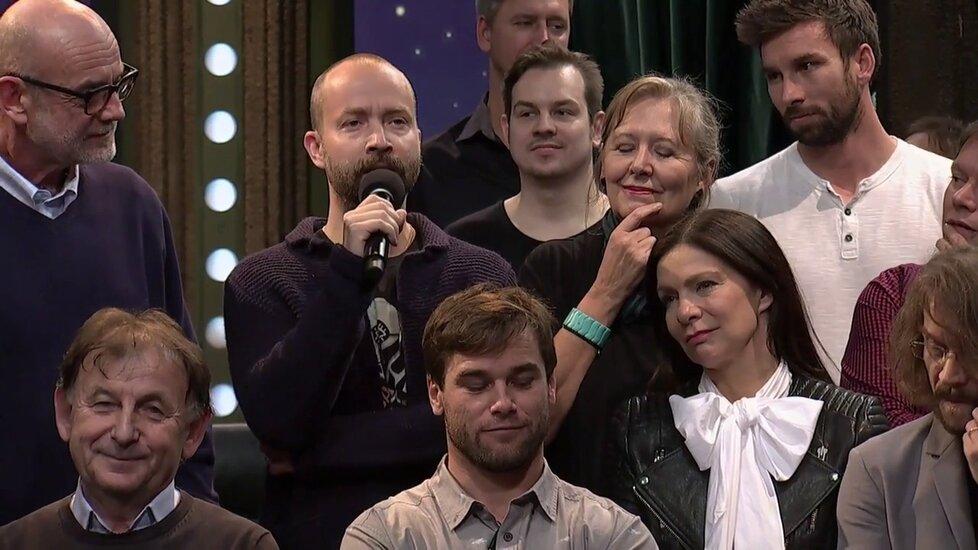 Sešlost v show u Krause: Kapelník skupiny The TAP TAP Šimon Ornest