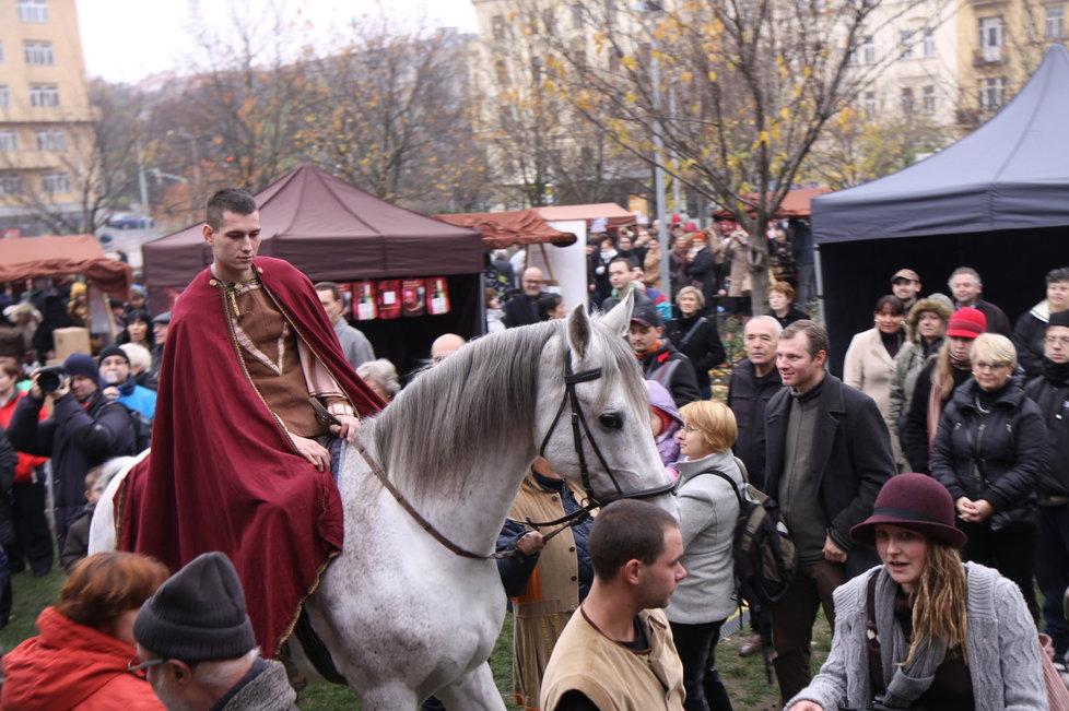 Svatý Martin dorazí v pátek na náměstí Jiřího z Poděbrad.