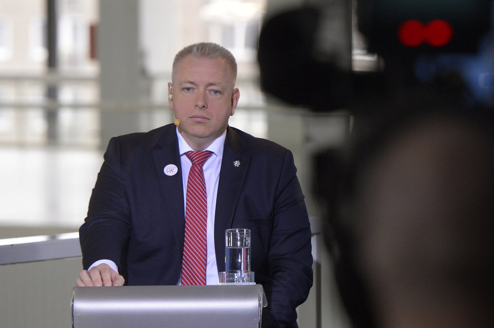 V Brně se koná 39. sjezd ČSSD. Mimo jiné rozhodne o osudu Bohuslava Sobotky jakožto předsedy strany. Na fotografii ministr vnitra Milan Chovanec