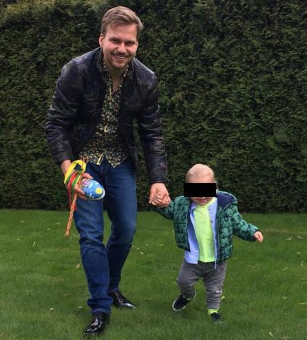 Martin Chodúr vyrazil na koledu se svým synem.