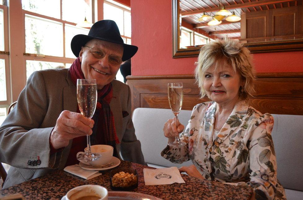 Manželé Jan Přeučil a Eva Hrušková strávili prodloužený velikonoční víkend v Luhačovicích.