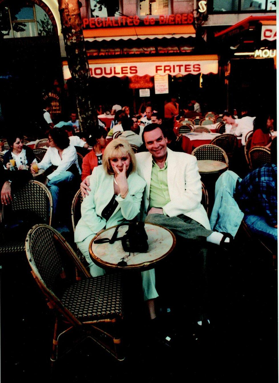 Zamilovaný pár v Paříži