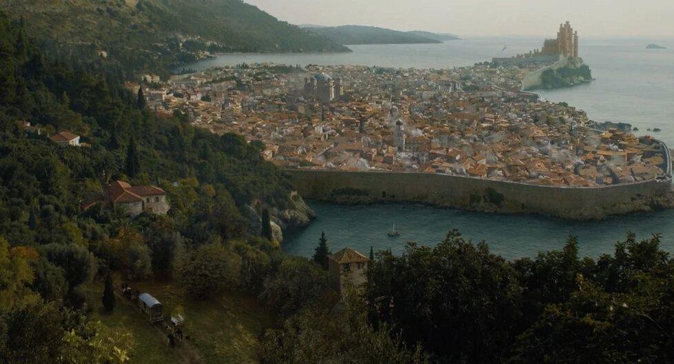 Královo přístaviště se z velké části natáčelo v chorvatském Dubrovniku a jeho blízkém okolí.
