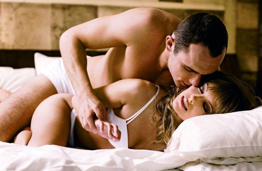 sex ve spánku sex v posteli