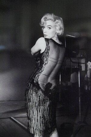 Božská Marilyn v šatech, které jsou součástí výstavy.