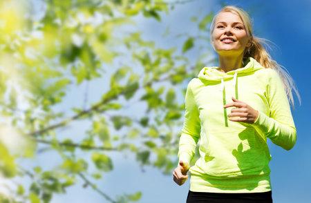 zkuste chůzi kombinovat s krátkými sprinty.