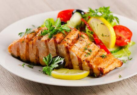 Omega-3 mastné kyseliny pomůžou zhubnout, protože se objevují tam, co bílkoviny.
