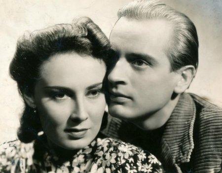 1939 – Ohnivé léto Během natáčení se Svatoplukem Benešem se prý Baarová netajila sympatiemi k Němcům.