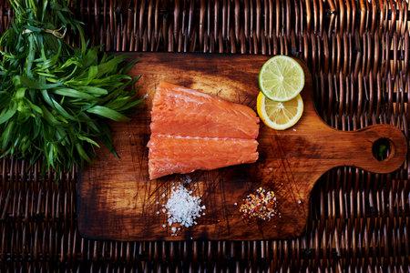 V období menopauzy jezte lososa a jiné sladkovodní ryby.