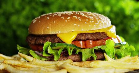 Pozor na tuky, které mohou zvyšovat cholesterol.