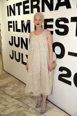 Anna Fialová na letošním filmovém festivalu ve Varech.
