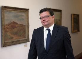 Češi šetří, Vondra rozhazuje: Armáda chce dát 40 milionů na další právníky!
