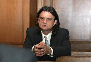 Dostal trest za výroky o Romech. Teď chce být exposlanec VV Chaloupka prezident