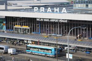 Vytíženost Letiště Václava Havla neustále roste. V létě odbavilo 5 milionů lidí