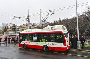 V Praze začne jezdit autobus bez řidiče. Ovládat ho budou stovky čidel