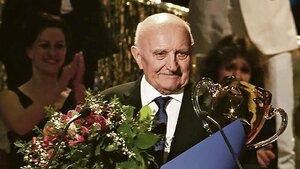 Plakal dojetím! Cenu Thálie za celoživotní mistrovství dostal Josef Somr (79)