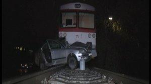 Nehoda na přejezdu: Matka z dcerami skončily pod vlakem