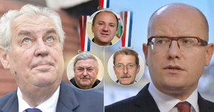 Sobotkova nevydařená vzpoura proti Hradu: Nechtěl podepsat státní vyznamenání