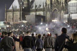 Napadli německé ženy uprchlíci? Pokud ano, mohou být vyhoštěni