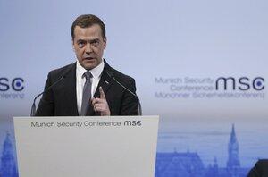 """""""Přichází druhá studená válka,"""" hřměl Medveděv. Může za to prý NATO"""